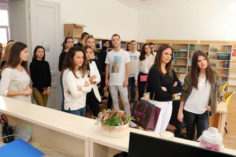 Uputa za korištenje usluga Knjižnice Fakulteta za dentalnu medicinu i zdravstvo Osijek
